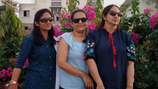 गांव की तीन बहनें पहले बनीं वॉलीबाल की नेशनल खिलाड़ी, फिर तीनों की लगी सरकारी नौकरी