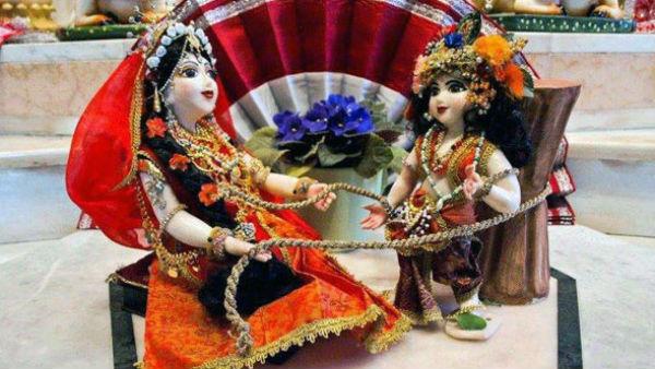 यह पढ़ें: Krishna Janmashtami 2020: जानिए कोरोना संकट के बीच कैसे करें बांसुरी वाले की पूजा?