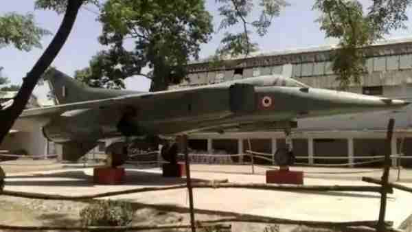 Advertisement on OLX to sell MiG-23 fighter plane standing in aligarh muslim university