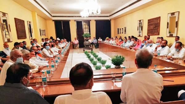 राजस्थान सियासी संकट को एक माह पूरा, जानिए विधायकों की बाड़ेबंदी पर कितने करोड़ हुए खर्च?