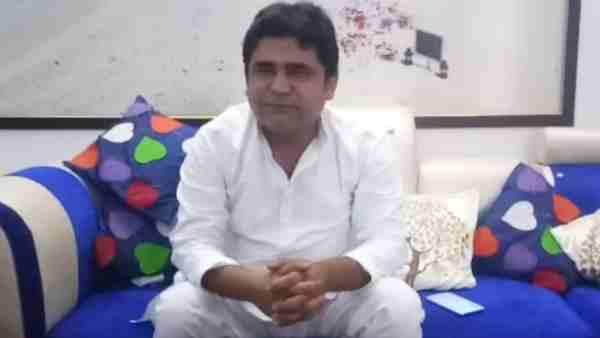 ये भी पढ़ें:-बेंगलुरु हिंसा: कांग्रेस MLA के भतीजे के सिर पर मेरठ के शख्स ने रखा 51 लाख का इनाम