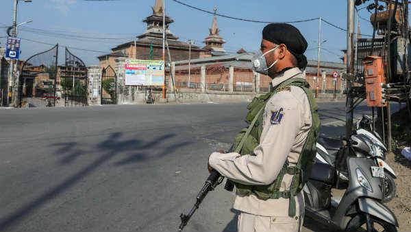 इसे भी पढ़ें- Article 370: विशेष दर्जा खत्म होने के बाद जम्मू कश्मीर में क्या-क्या बदला