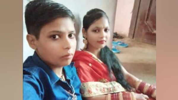bettiah two girls did marriage and reached police station for security