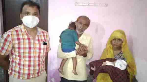 Parents get back newborn baby after doctors snatched in Agra district