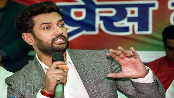 बिहार चुनाव में जादुई चिराग बनना चाहते थे LJP चीफ, लेकिन मांझी की एंट्री से उड़ी पासवान की नींद