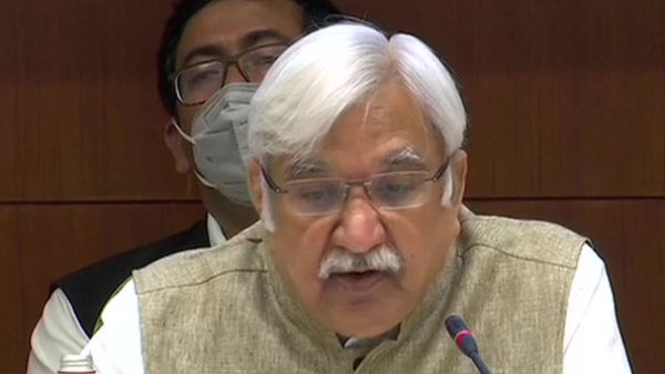 Bihar Assembly Elections 2020: 3 चरणों में होगा बिहार चुनाव, कोरोना पीड़ित भी डाल सकेंगे वोट, होगी अलग व्यवस्था