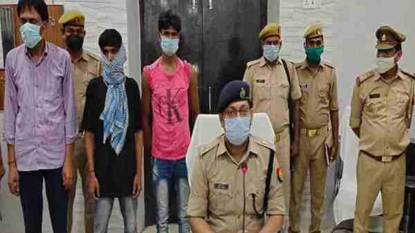 Police disclosed the triple murder case in Hardoi district and arrested three accused