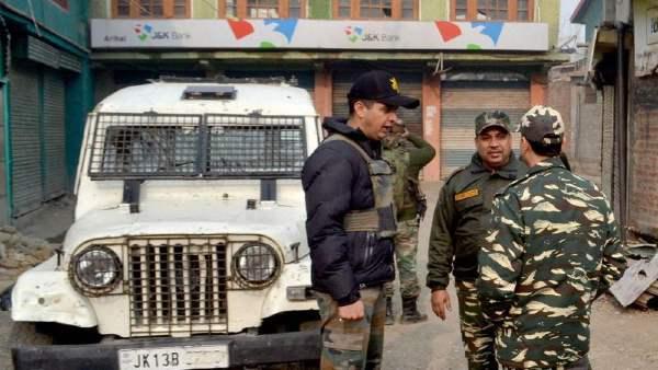 ये भी पढ़ें- पाकिस्तान अब ड्रोन से भेज रहा आतंकियों के लिए असलहा, तीन आतंकी गिरफ्तार