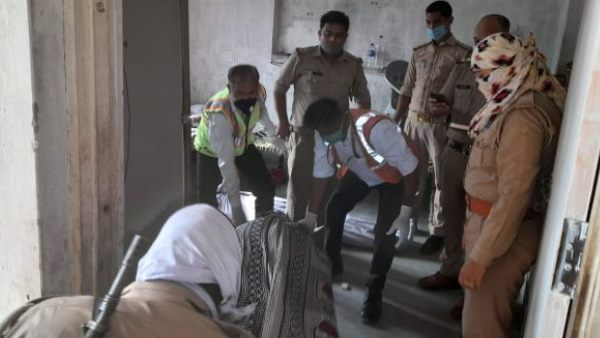 couple found dead in house in meerut