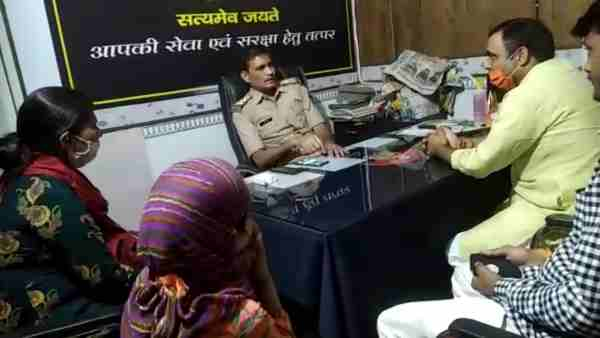 a young man cheated Rs 60 lakh from a girl after a love marriage in Meerut district