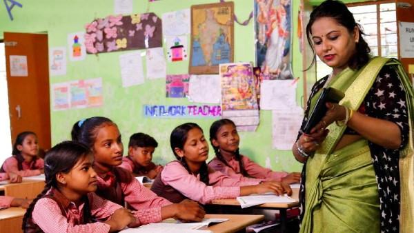 यह पढ़ें:Exclusive: मिलिए डॉ. स्नेहिल पांडेय से जिन्हें मिलेगा राष्ट्रीय शिक्षक पुरस्कार 2020
