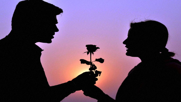 8 साल डेटिंग के बाद ब्वॉयफ्रेंड ने शादी से किया इंकार तो गर्लफ्रेंड ने फेंका तेजाब