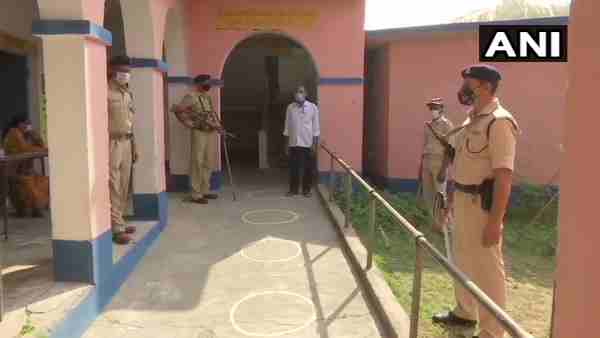 Bihar: Voters of Balgudar village in Lakhisarai district boycott elections
