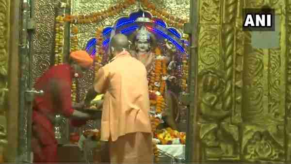Balrampur: CM Yogi Adityanath offers prayers at Devi Patan temple on the first day of Navratri