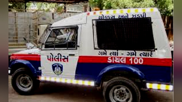 When her wife went to maternal home, her husband Ends life with children at bhavnagar