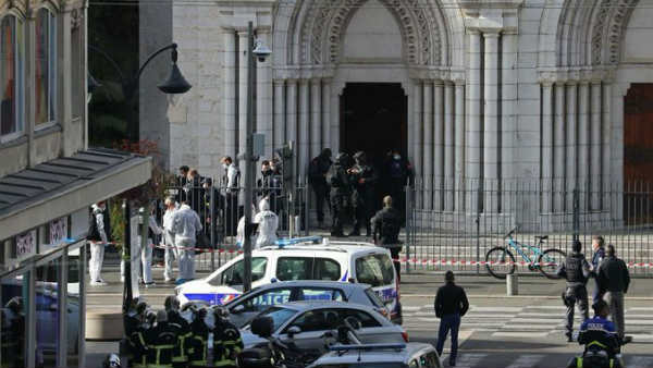 यह भी पढ़ें-फ्रांस में चर्च के अंदर महिला का सिर कलम