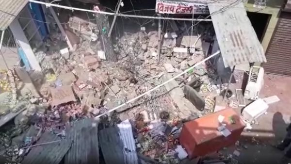man lost life many injured in lpg cylinder explosion in lucknow