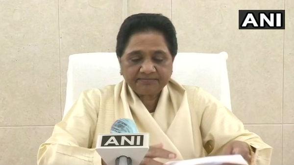 विधायकों की टूट पर भड़कीं मायावती, कहा- अब सपा को हराने के लिए BJP से भी हाथ मिलाना पड़ा तो मिलाएंगे