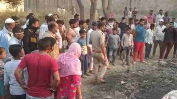 a woman body was found in pieces from a cremation ground In Meerut district