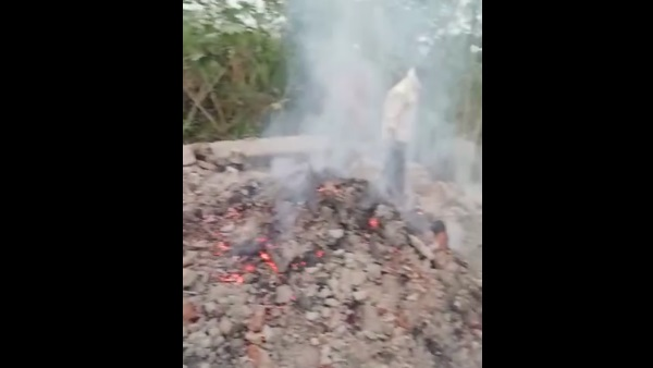 Cremation ground linter roof falls on burning pyre in meerut