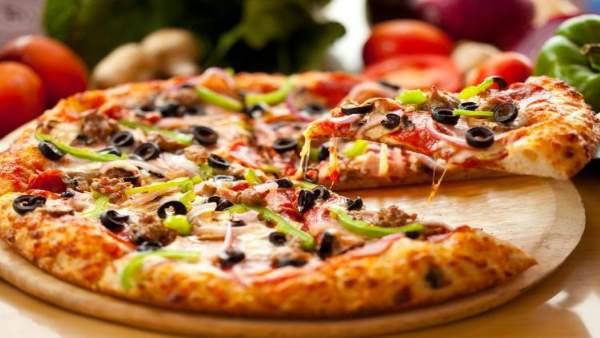 Dream Job: घर बैठे खाएं पिज्जा और देखें नेटफ्लिक्स की सीरीज, अमेरिकी कंपनी देगी 500 डॉलर
