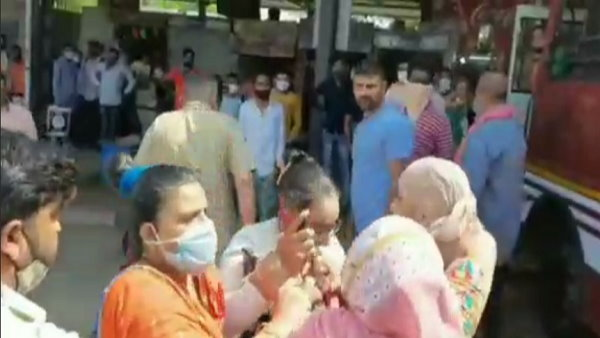 Watch VIDEO: woman PSI slaps a lady bus conductor at Rajkot-Junagadh bus stand