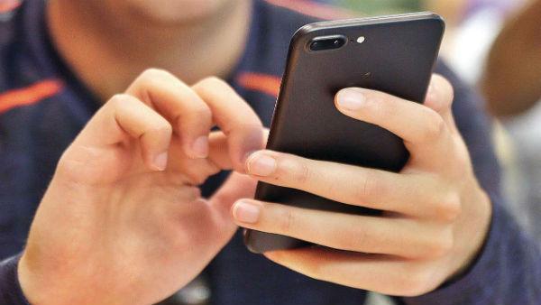 आपके स्मार्टफोन और नोटों पर 28 दिनों तक जिंदा रह सकता है कोरोना वायरस, नई रिसर्च ने बढ़ाई चिंता