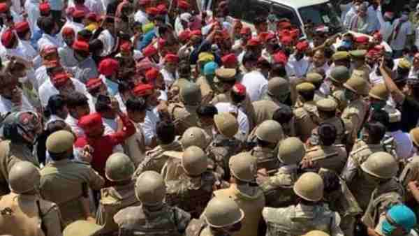 Police stopped SP delegation at Khandauli toll in Agra