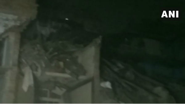 Kanpur: Three-storey building collapses in Kuli Bazar area, here is the detail
