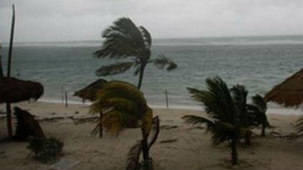 यह पढ़ें: चक्रवाती तूफान की वजह से तमिलनाडु -पुडुचेरी में Red Alert, बस सेवाएं रद्द