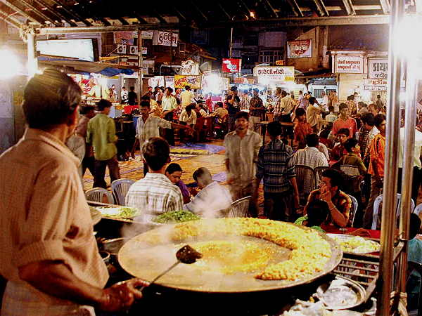 diwali 2020: Ahmedabad municipal corporation permission to shops & market open till 12 AM (night)