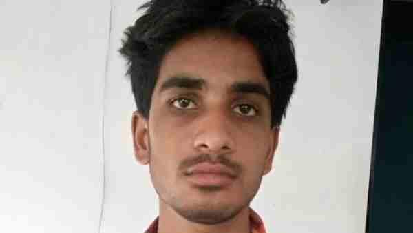 ये भी पढ़ें:- आजमगढ़ पुलिस ने 3 लाख के इनामी सूर्यांश दुबे को एनकाउंटर में किया ढेर, हत्या के दर्ज थे 12 मुकदमे