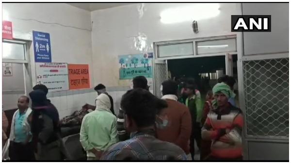 UP: बहराइच में भीषण सड़क हादसा, ट्रक से हुई टक्कर में 6 लोगों की मौत, 10 घायल