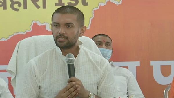 चिराग पासवान का नीतीश पर बड़ा हमला, कहा- दुर्गा भक्तों पर गोली चलवाकर महिषासुर बन गई है बिहार सरकार