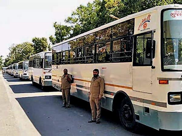 कोरोना के प्रकोप के बीच गुजरात में परिवहन सेवा बहाल, अब एसटी द्वारा चलाई जाएंगी 400 से ज्यादा एक्स्ट्रा बसें