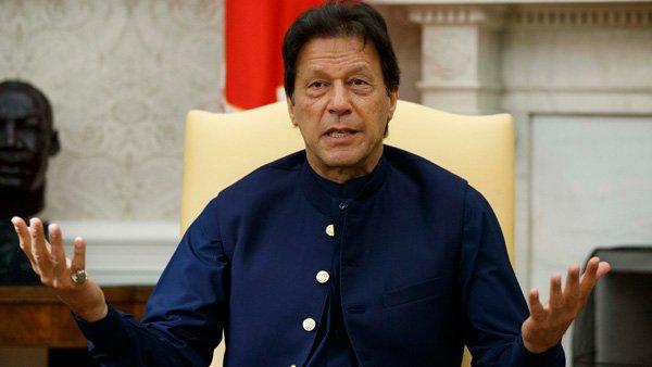 पाकिस्तान ने दिखाए तेवर तो अमेरिका ने मरोड़ दी बांह, इस प्रतिबंधित लिस्ट में किया शामिल
