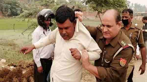 ये भी पढ़ें:- किसान को कॉलर पकड़कर खींच ले गए इंस्पेक्टर, खेत में पराली जलाने पर 5 को गिरफ्तार कर भेजा जेल