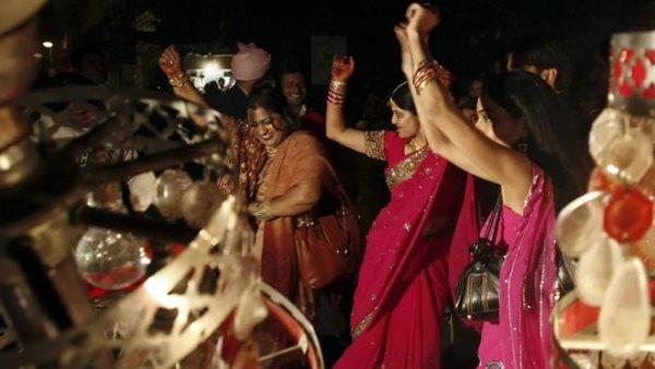 ये भी पढ़ें:- UP में अब शादी समारोहों के लिए नहीं लेनी होगी पुलिस-प्रशासन की अनुमति, बैंड और डीजे रोकने वालों पर होगा एक्शन