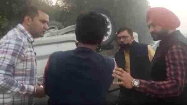 ये भी पढ़ें:- खेल मंत्री संदीप सिंह के सामने हुआ भीषण एक्सीडेंट, काफिला रुकवाकर की मदद