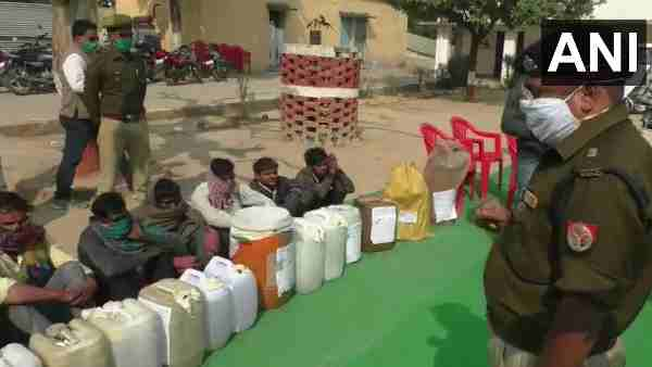 Sitapur police arrested 120 people indulged in illegal liquor business