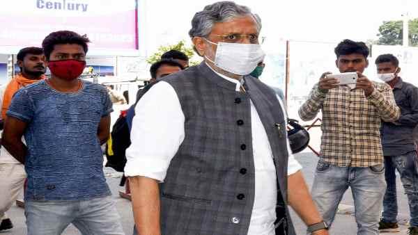 इसे भी पढ़ें- डिप्टी सीएम का पद छिनने की नाराजगी छिपा नहीं पा रहे हैं सुशील कुमार मोदी