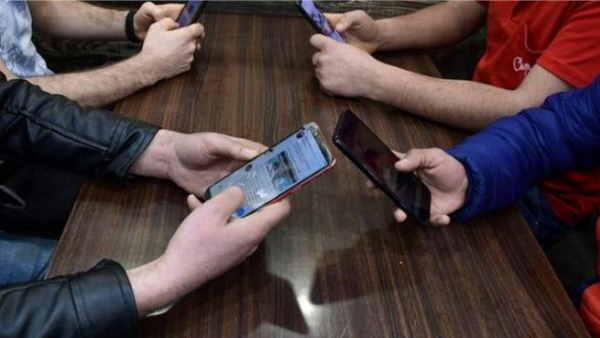 जम्मू कश्मीर में 4G इंटरनेट पर बैन 8 जनवरी तक बढ़ाया गया, सिर्फ दो जिलों को छूट