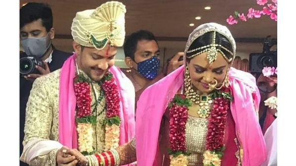 यह पढ़ें :Aditya Narayan wedding Pics :सात जन्मों के बंधन में बंधे आदित्य और श्वेता, जमकर नाचे पापा उदित, वायरल हुईं तस्वीरें और Video