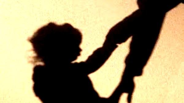 गरीबी से तंग एक पिता ने अपने ही पांच बच्चों को नहर में डुबो दिया