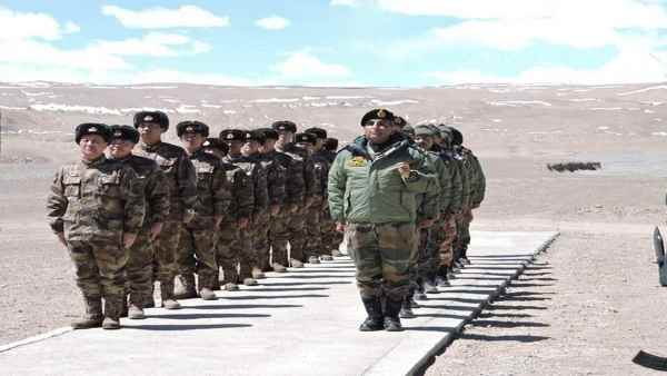 Ladakh: Chinese soldiers find it difficult to stay on LAC as cold starts, battered in front of Indian Army