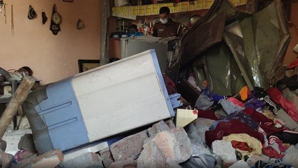 ग्रेटर नोएडा: चार्जिंग पर लगी ई-रिक्शा की बैटरी में हुआ ब्लास्ट, 10 साल के मासूम की दर्दनाक मौत