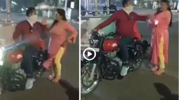 गुजरात: मास्क न पहनने के बावजूद बहस कर रही थी पत्नी, पति ने पुलिसवालों के सामने ही मारा थप्पड़- VIDEO
