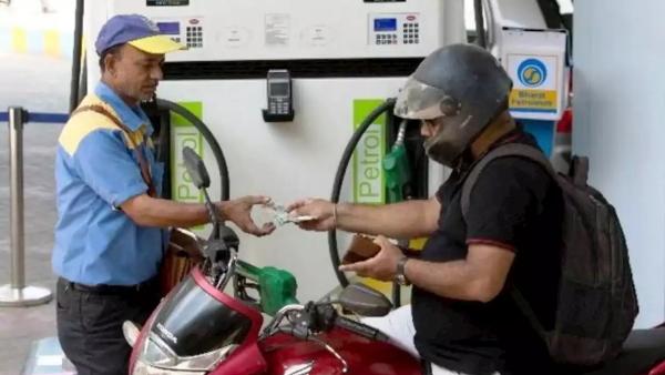 Budget 2021: पेट्रोल-डीजल पर लगाया गया कृषि सेस, जानिए आप पर पड़ेगा क्या असर