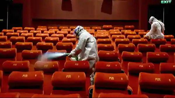 गुजरात में 10 माह से बंद थिएटर खुले, सरकार ने डायरेक्टर्स को 50% दर्शकों के साथ इजाजत दी