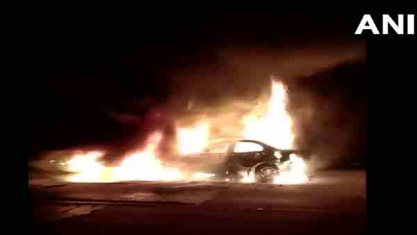 No one could be saved in burning car by people on the accident spot